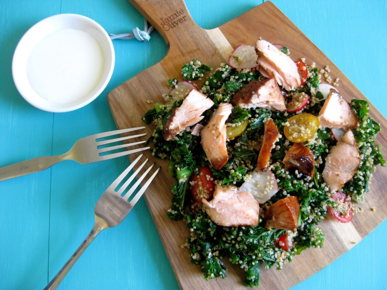 kale, quinoa and salmon salad